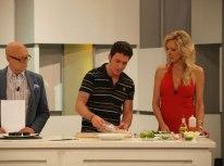 Jaime Renedo cocinando en 'Ahora Marta'
